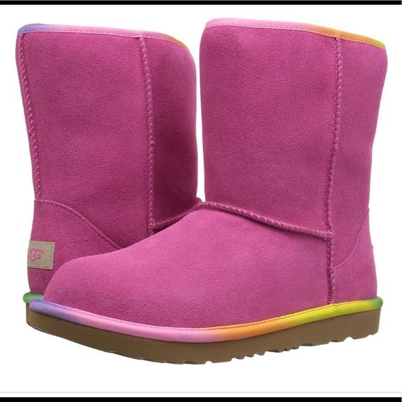 c014337c998 Ugg classic short II rainbow boot NWT